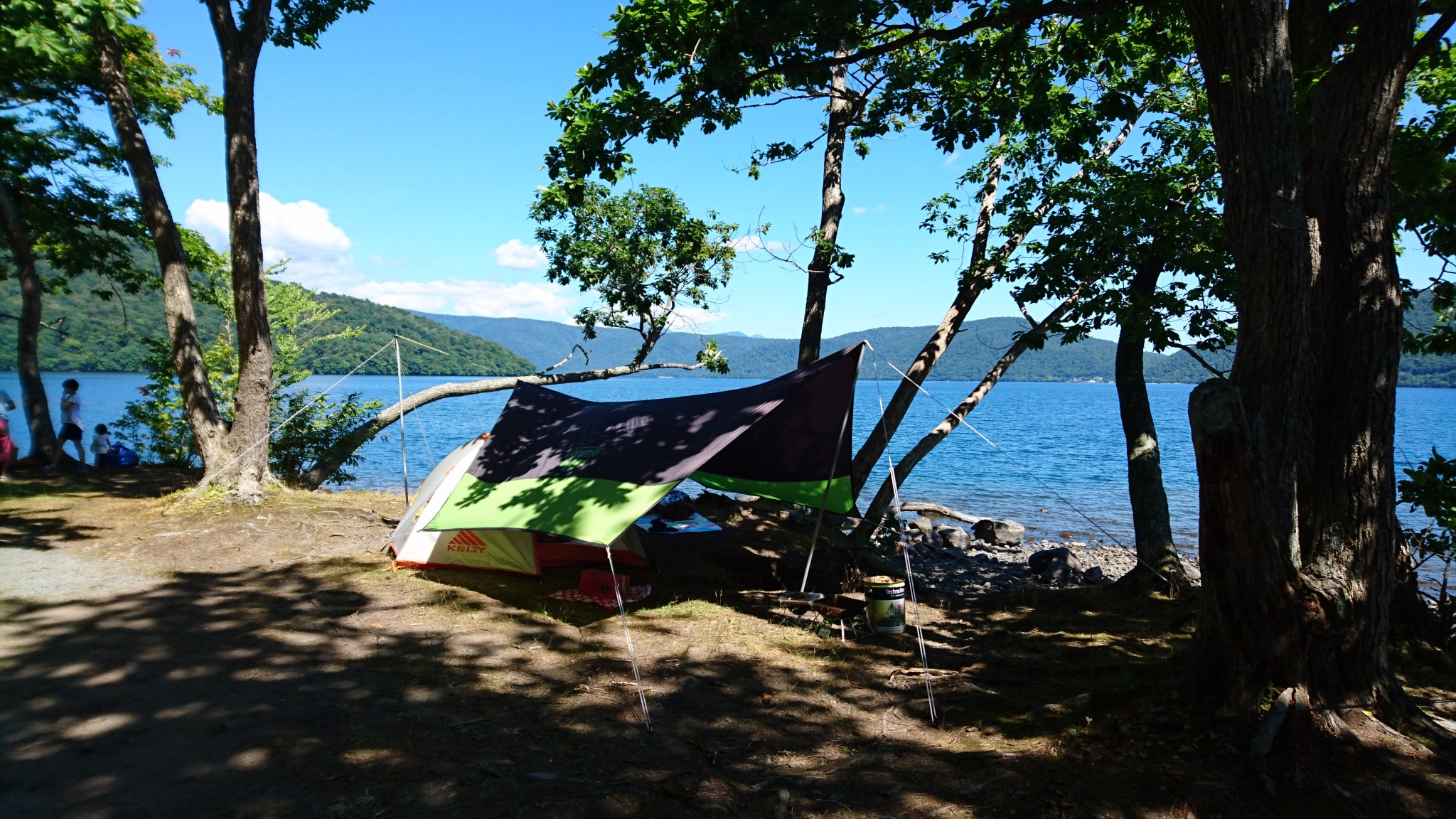 宇樽部キャンプ場と十和田湖
