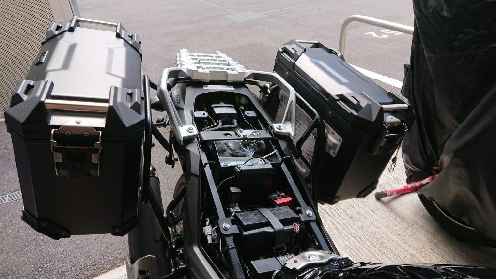V-Strom650XT SW-MOTECH TRAX ADVENTURE 取り付け